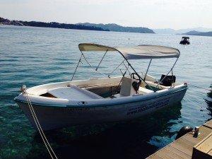 Skiathos boat hire at Stefanos Ski School on Vassilias beach