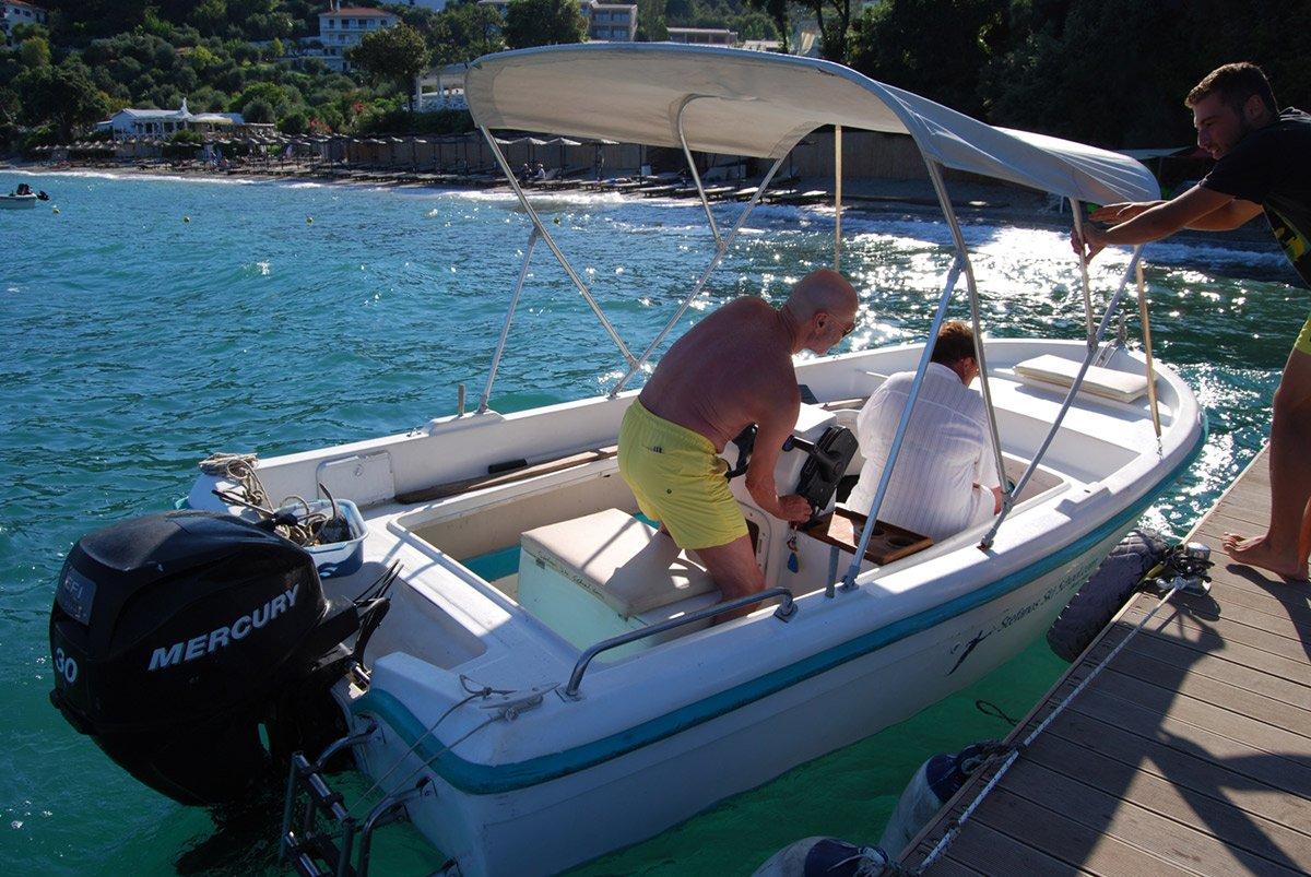 konstantina_4stroke_engine_Boat_for_hire2
