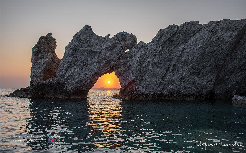 National Geographic in Skiathos 1 Stefanos Ski School & Boat rental